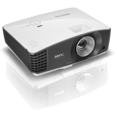 Projektor BenQ MX704
