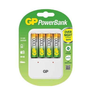 Nabíječka baterií GP PB420 + 4x AA