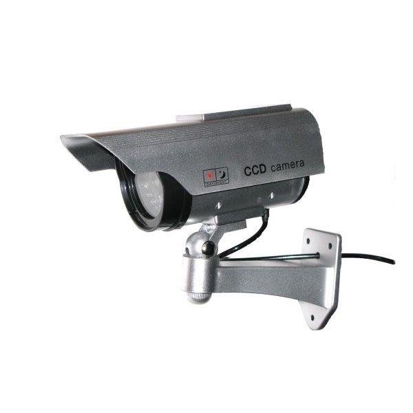 Atrapa venkovní kamery IR přísvitem, stříbrná, s napájením blikání ze solárního článku