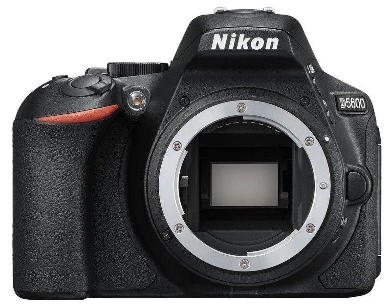 Zrcadlovka Nikon D5600 + 10-20MM AF-P VR